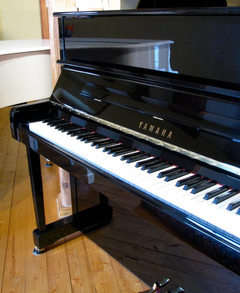 die aktuelle klavierauswahl in oberbayern neu oder. Black Bedroom Furniture Sets. Home Design Ideas